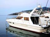 Яхты и катера в порту
