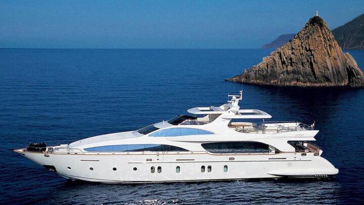 Прокат катеров и яхт в Сочи по доступной цене